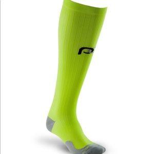 NWOT Pro Compression Lime Green Marathon Socks